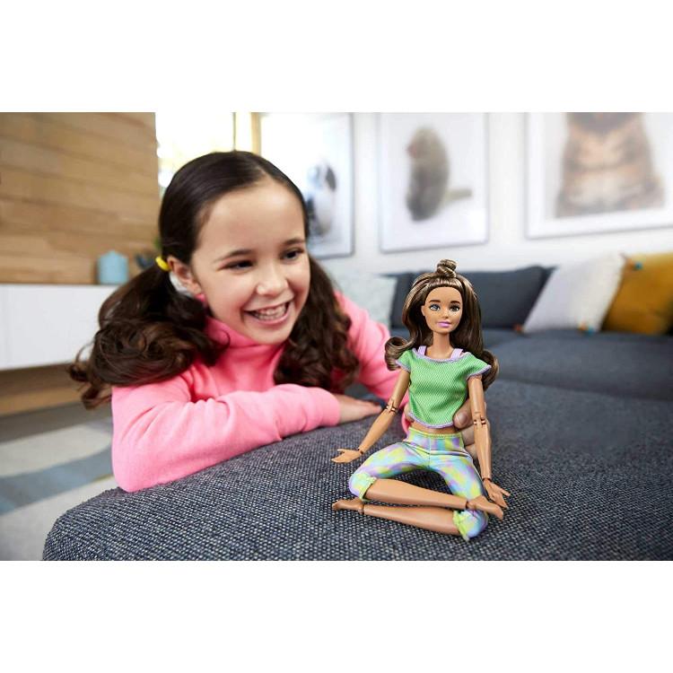 Лялька Барбі Йога рухайся як я Barbie Made to Move Doll Wearing Green Dye Pants, Long Wavy Brunette Hair