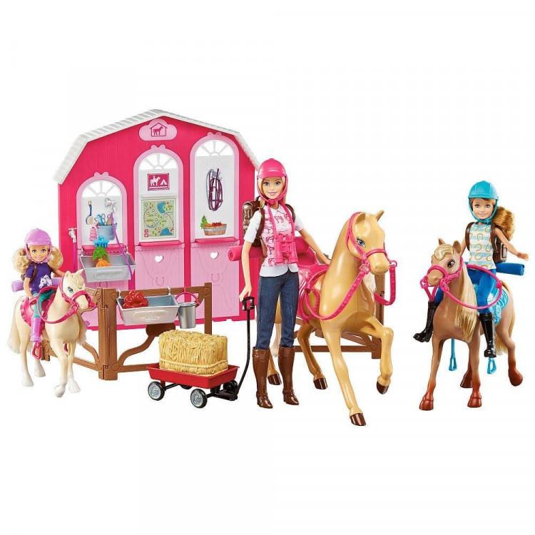 Ігровий набір Барбі з кіньми на ранчо Barbie Pink Passport Horses and Ranch Giftset