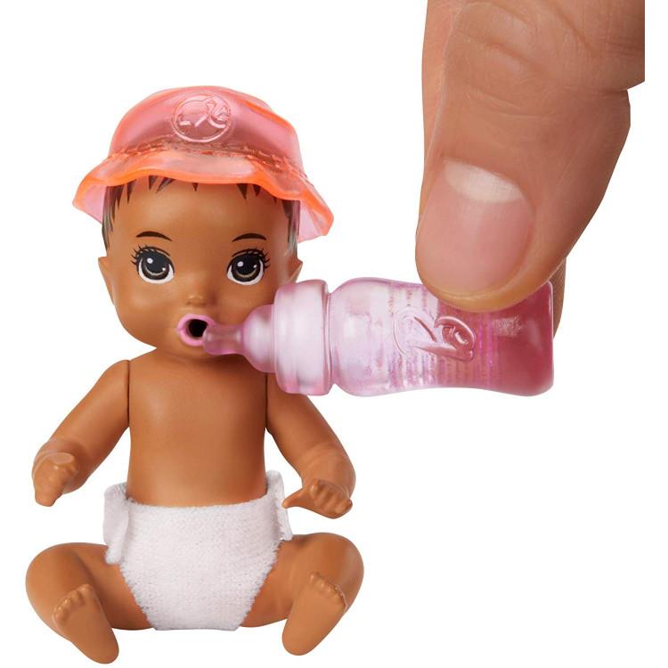 Барбі немовля Barbie Skipper Babysitters Inc. Feeding and Bath-Time Playset with Color-Change Baby Doll