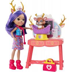 Игровой набор кукла Олень Данесса Ветеринар Enchantimals Caring Vet Playset with Danessa Deer Doll