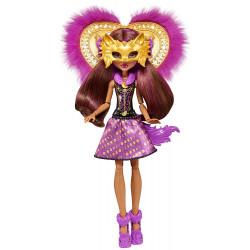 Клодин Вульф из монстра в волка Clawdeen Wolf Ghoul-to-Wolf Transformation Doll